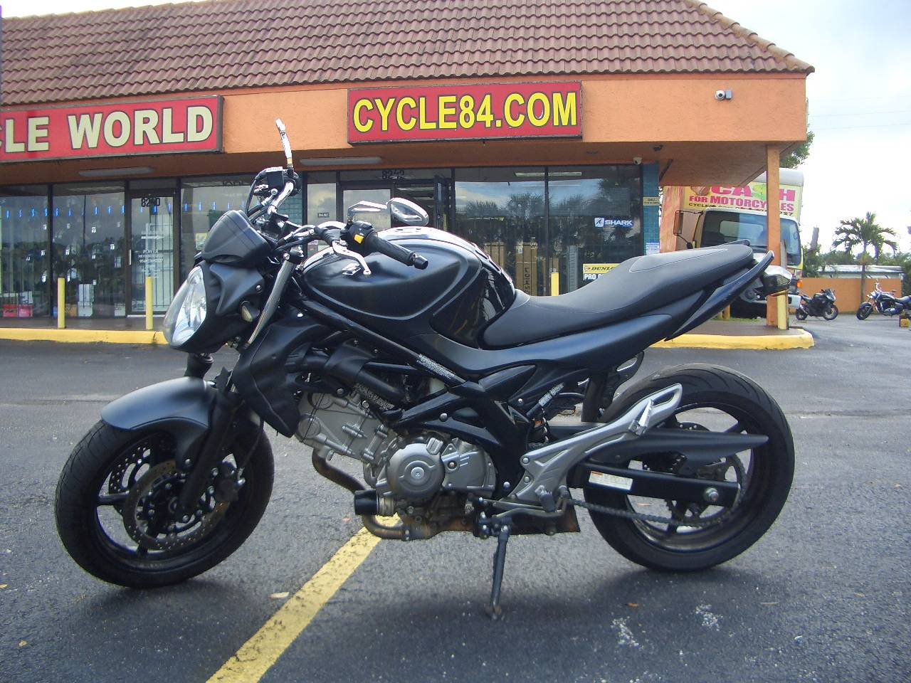 2013 Suzuki SFV650 in Fort Lauderdale, Florida - Photo 1