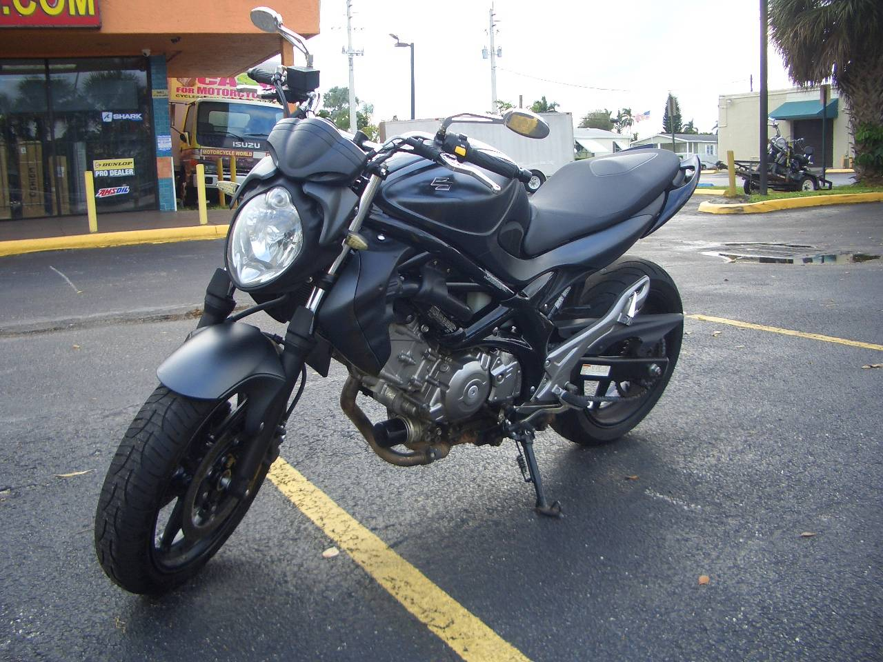 2013 Suzuki SFV650 in Fort Lauderdale, Florida - Photo 2