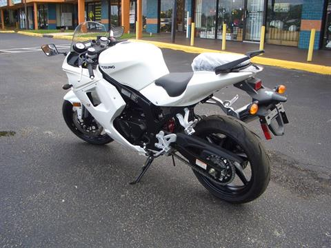2016 Hyosung GT250R in Fort Lauderdale, Florida - Photo 3