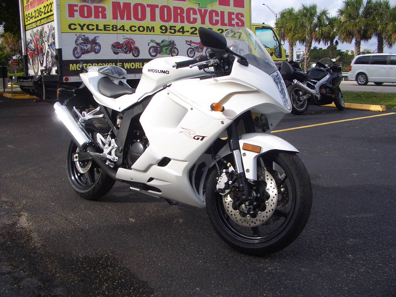 2016 Hyosung GT250R in Fort Lauderdale, Florida - Photo 6