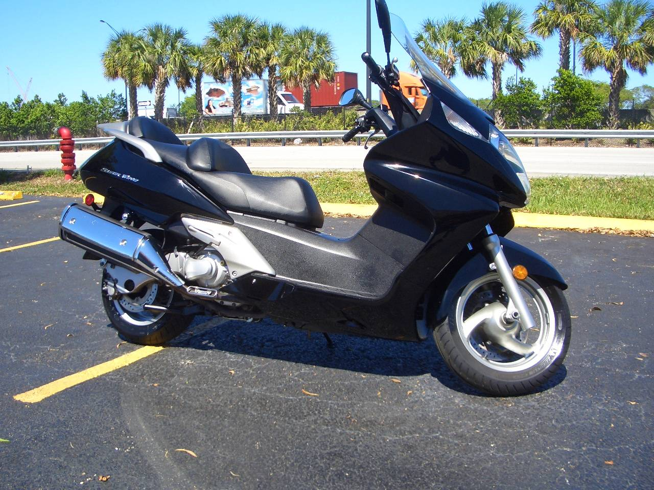 2013 Honda Silver Wing® in Fort Lauderdale, Florida - Photo 6