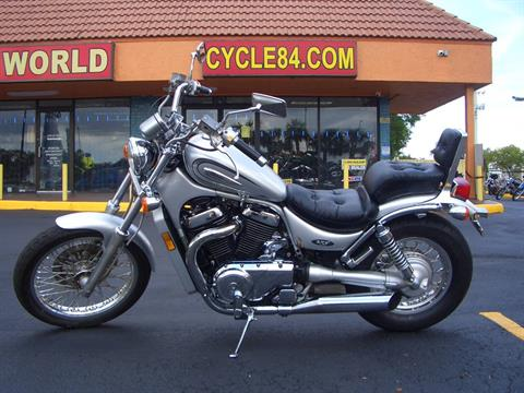 2004 Suzuki Intruder Volusia 800 in Fort Lauderdale, Florida