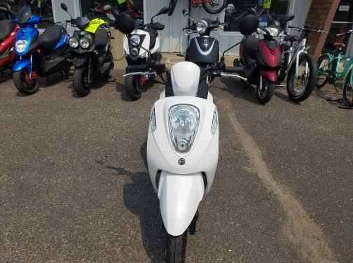 2021 SYM Mio 49cc Scooter in Forest Lake, Minnesota - Photo 6