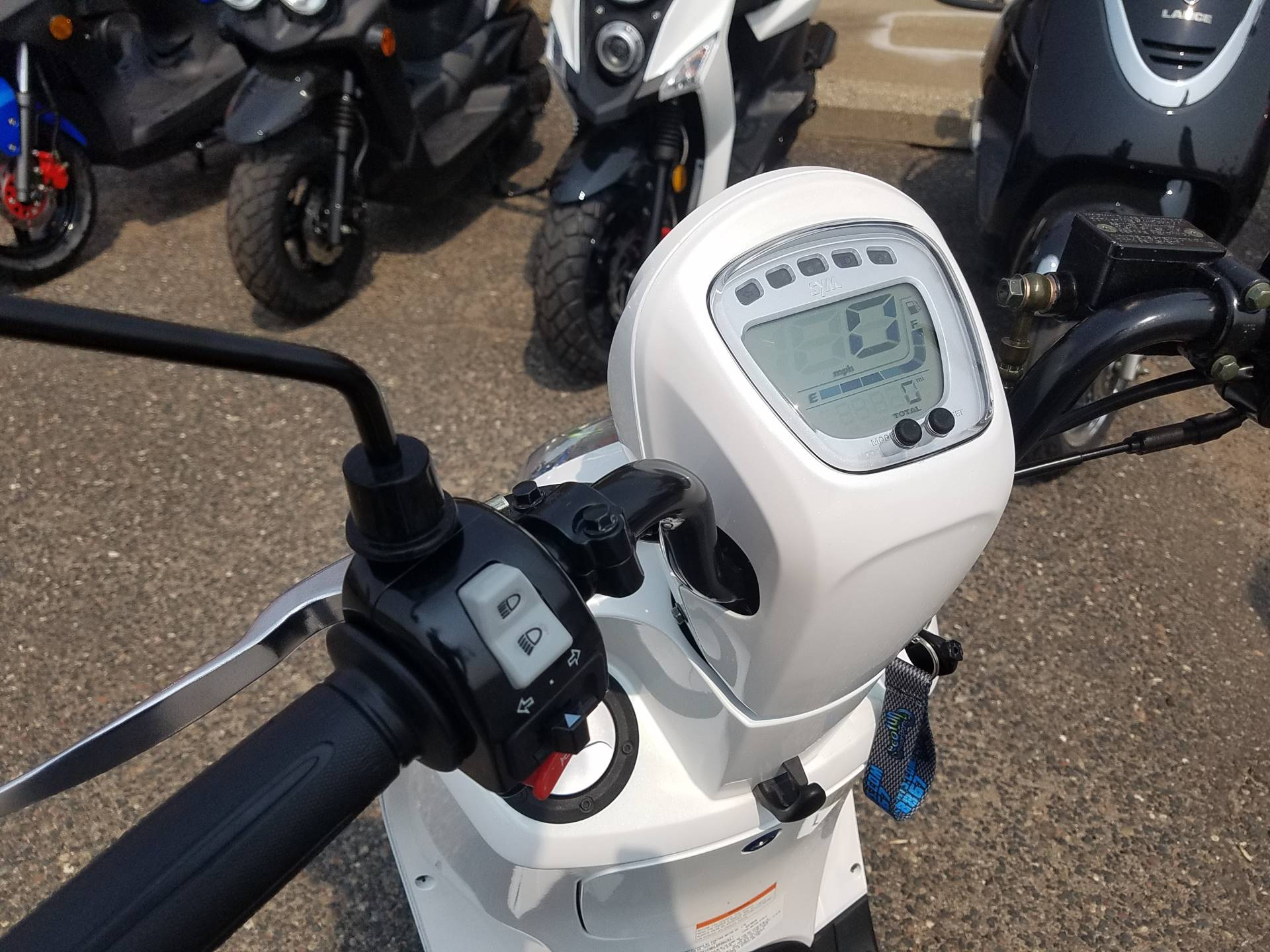 2021 SYM Mio 49cc Scooter in Forest Lake, Minnesota - Photo 27