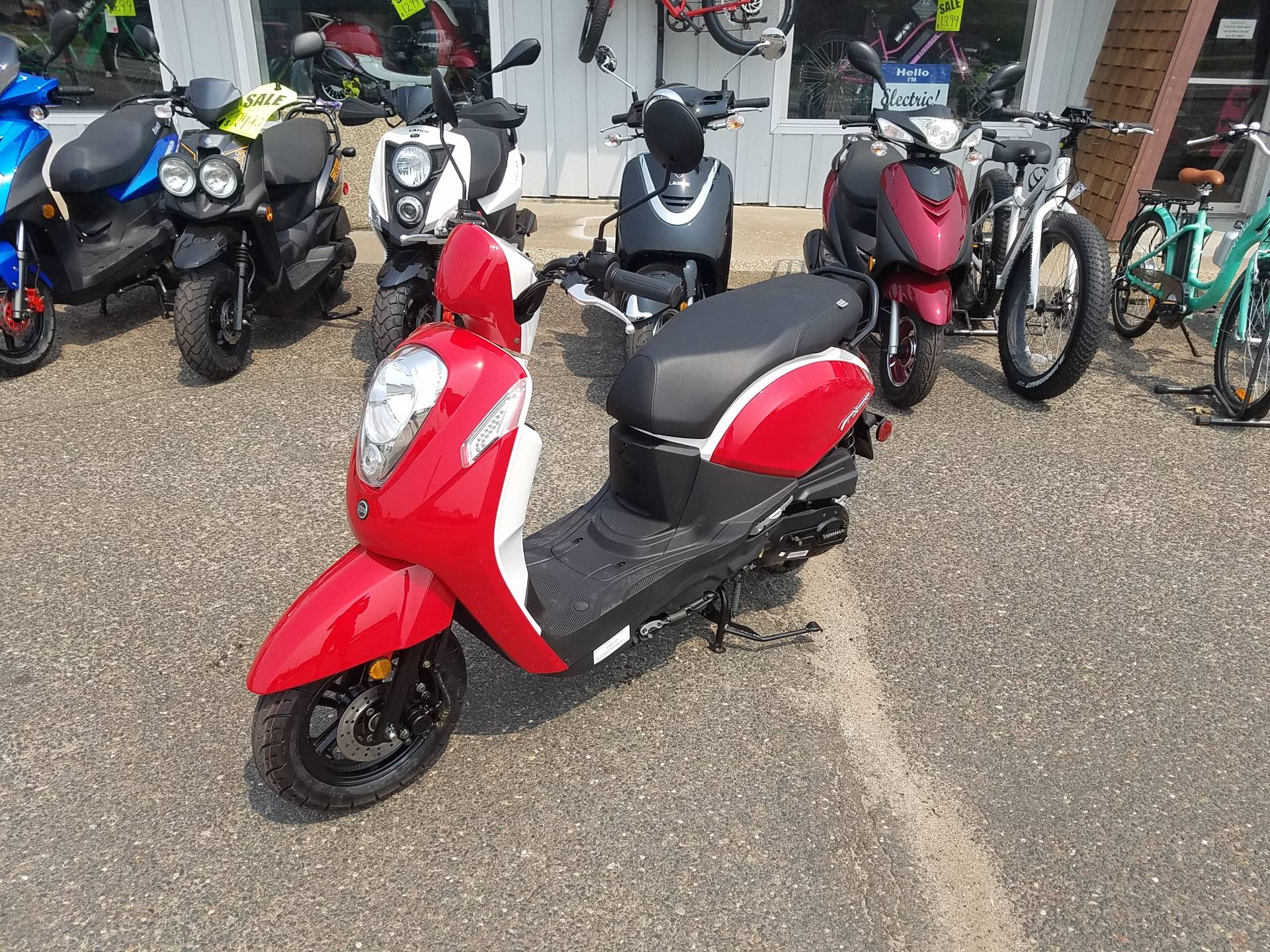 2021 SYM Mio 49cc Scooter in Forest Lake, Minnesota - Photo 1