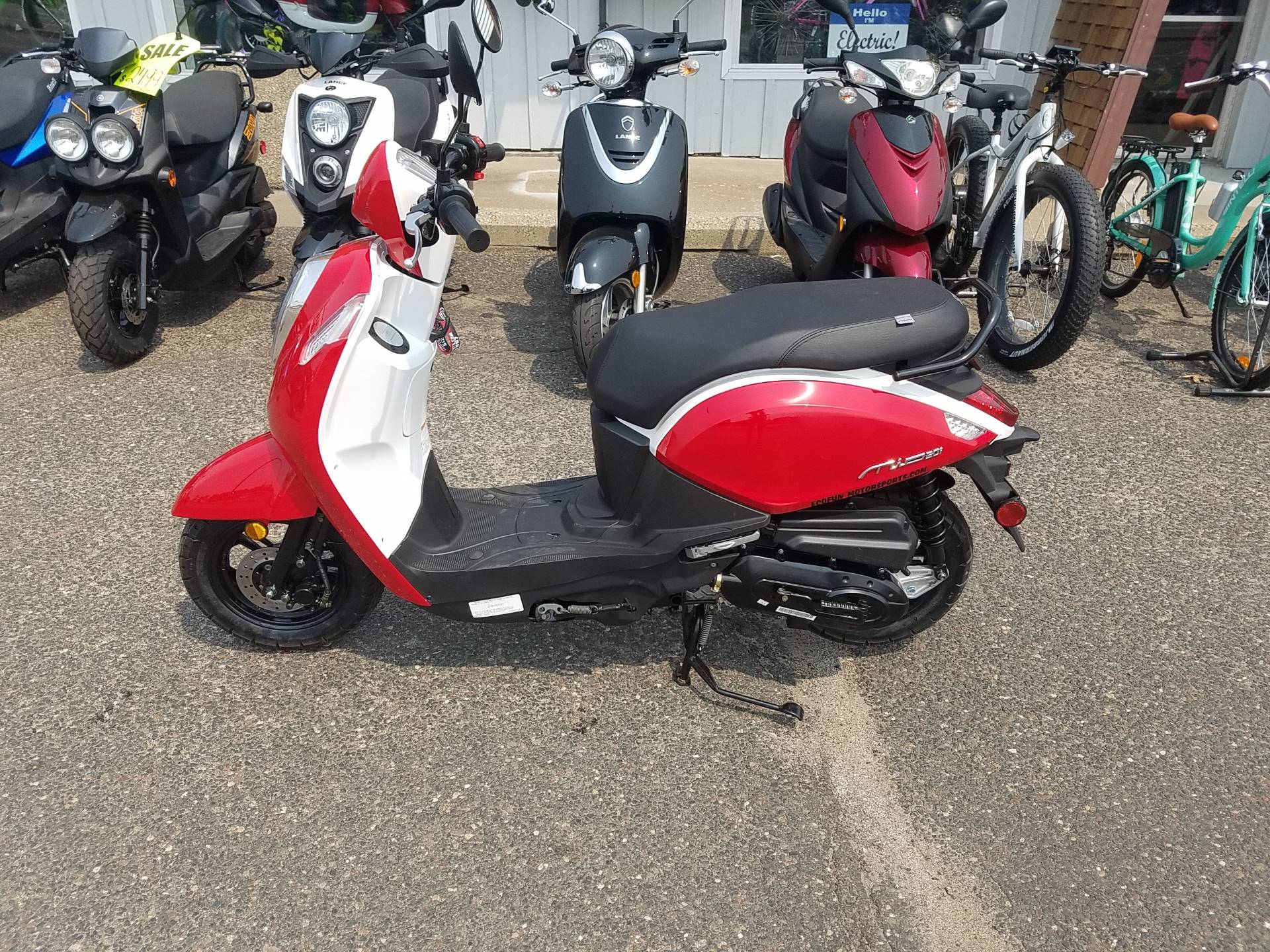 2021 SYM Mio 49cc Scooter in Forest Lake, Minnesota - Photo 20