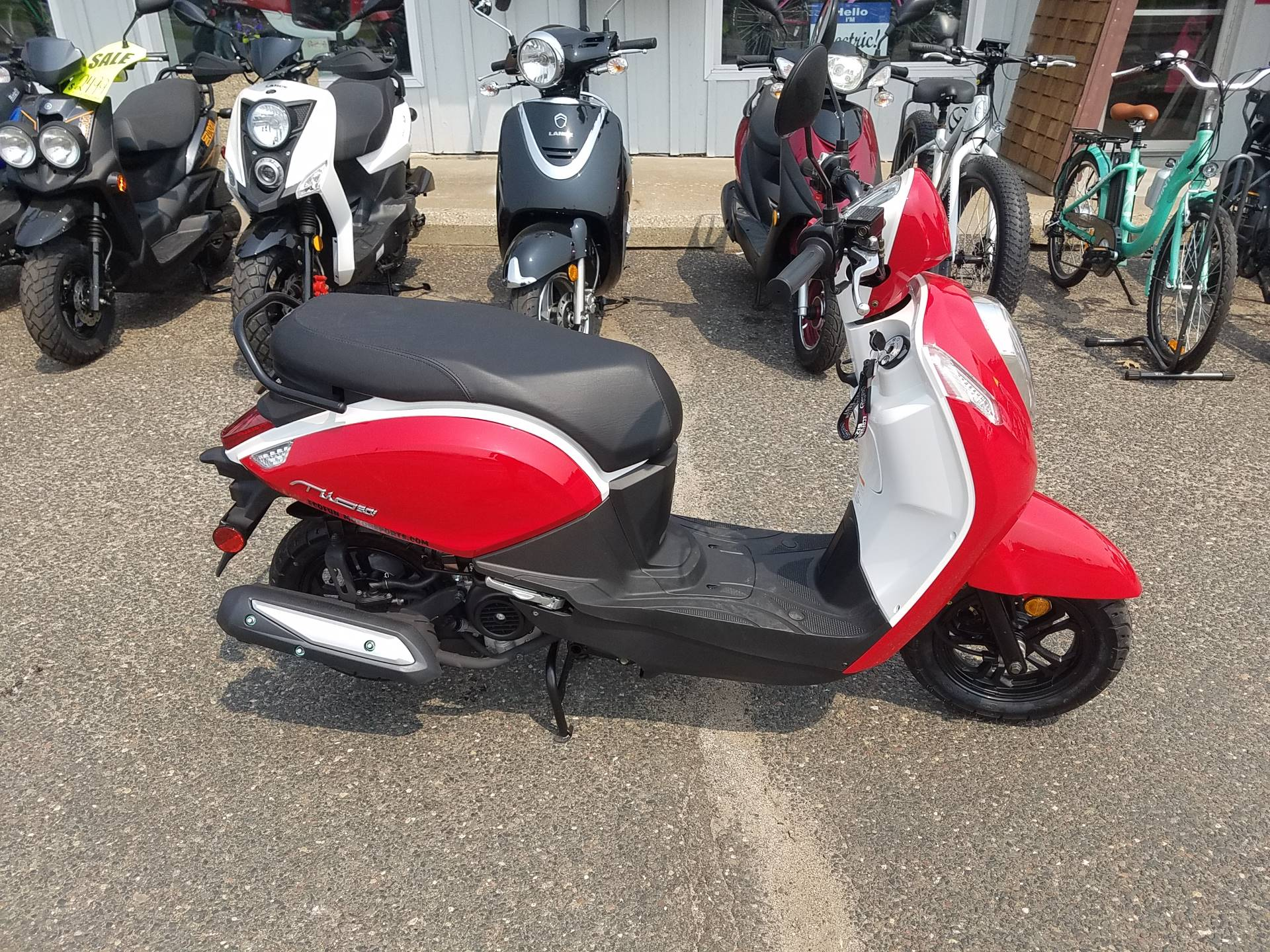 2021 SYM Mio 49cc Scooter in Forest Lake, Minnesota - Photo 21