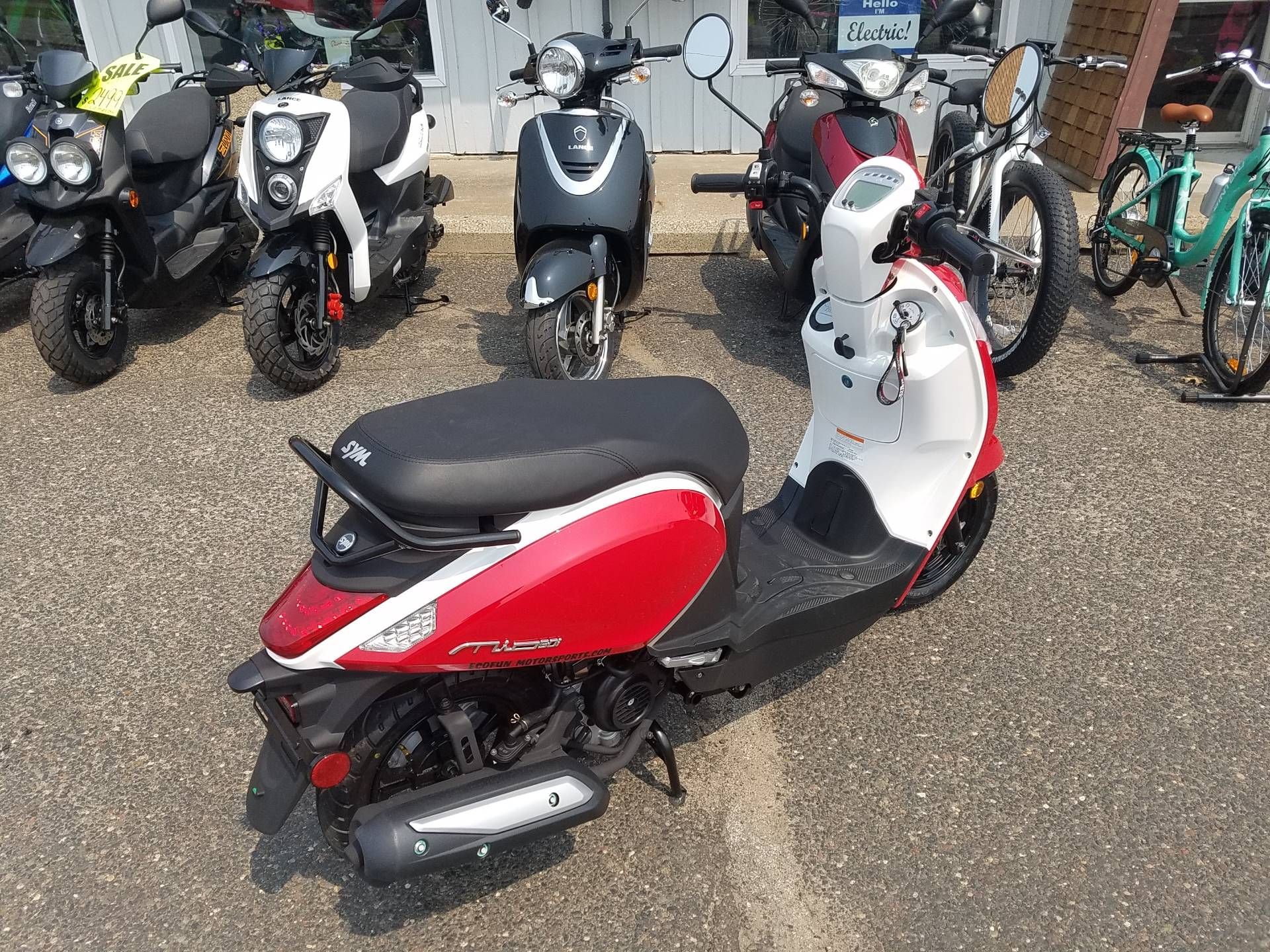 2021 SYM Mio 49cc Scooter in Forest Lake, Minnesota - Photo 24
