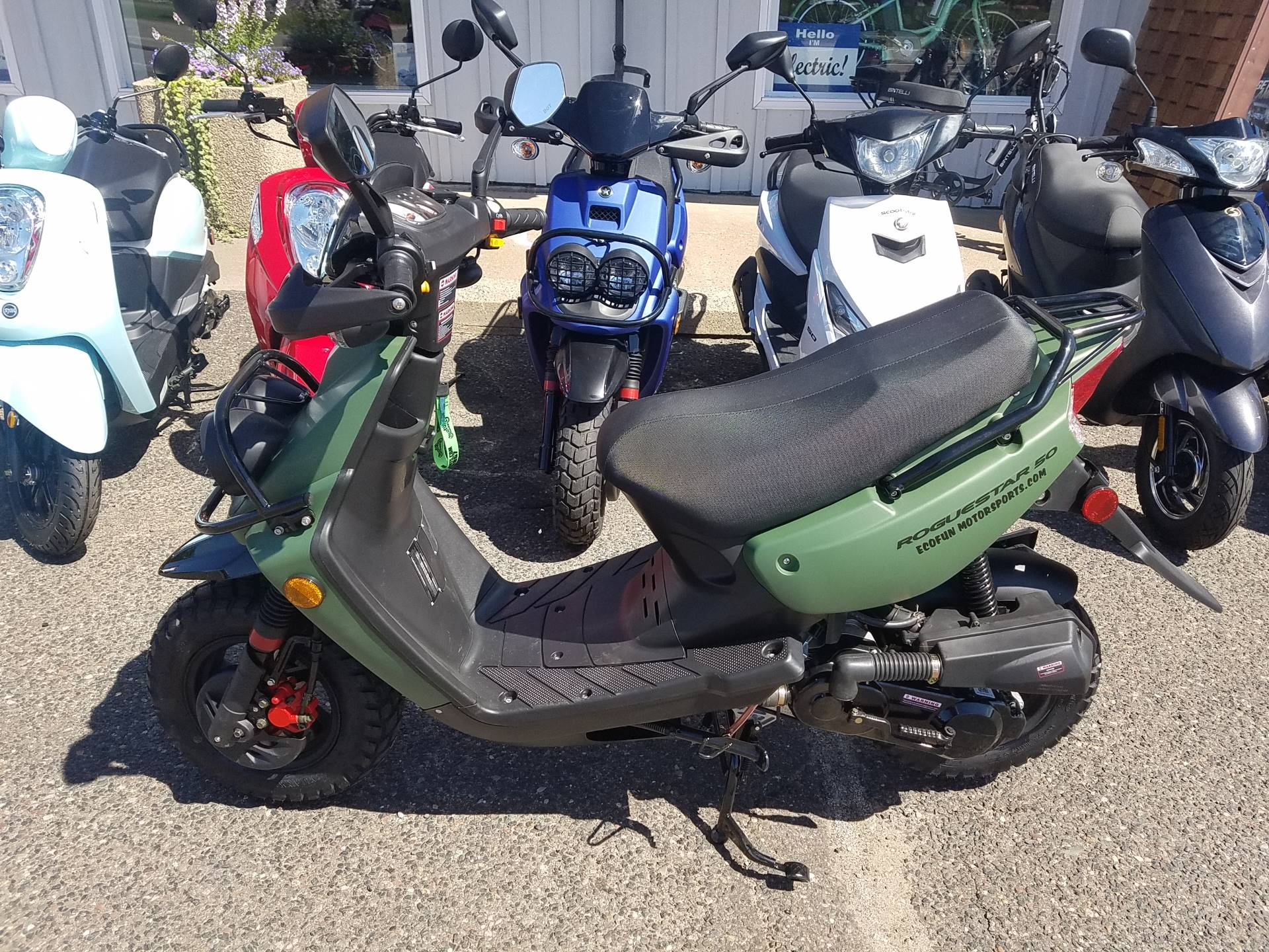 2021 ZHNG Roguestar 150cc Scooter in Forest Lake, Minnesota - Photo 4