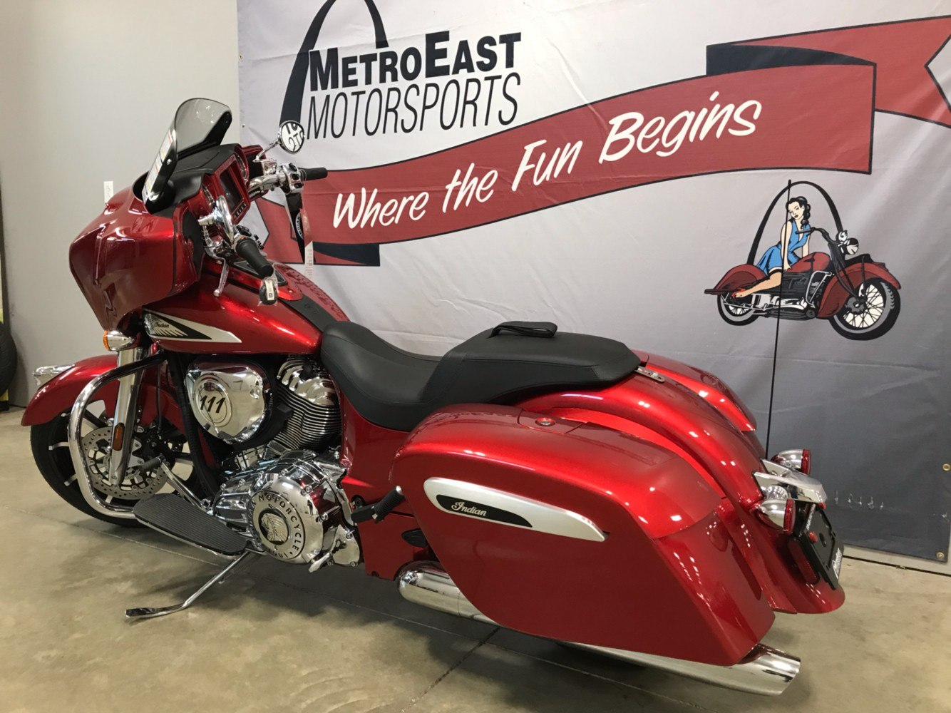 2019 Indian Chieftain® Limited ABS in O Fallon, Illinois - Photo 2