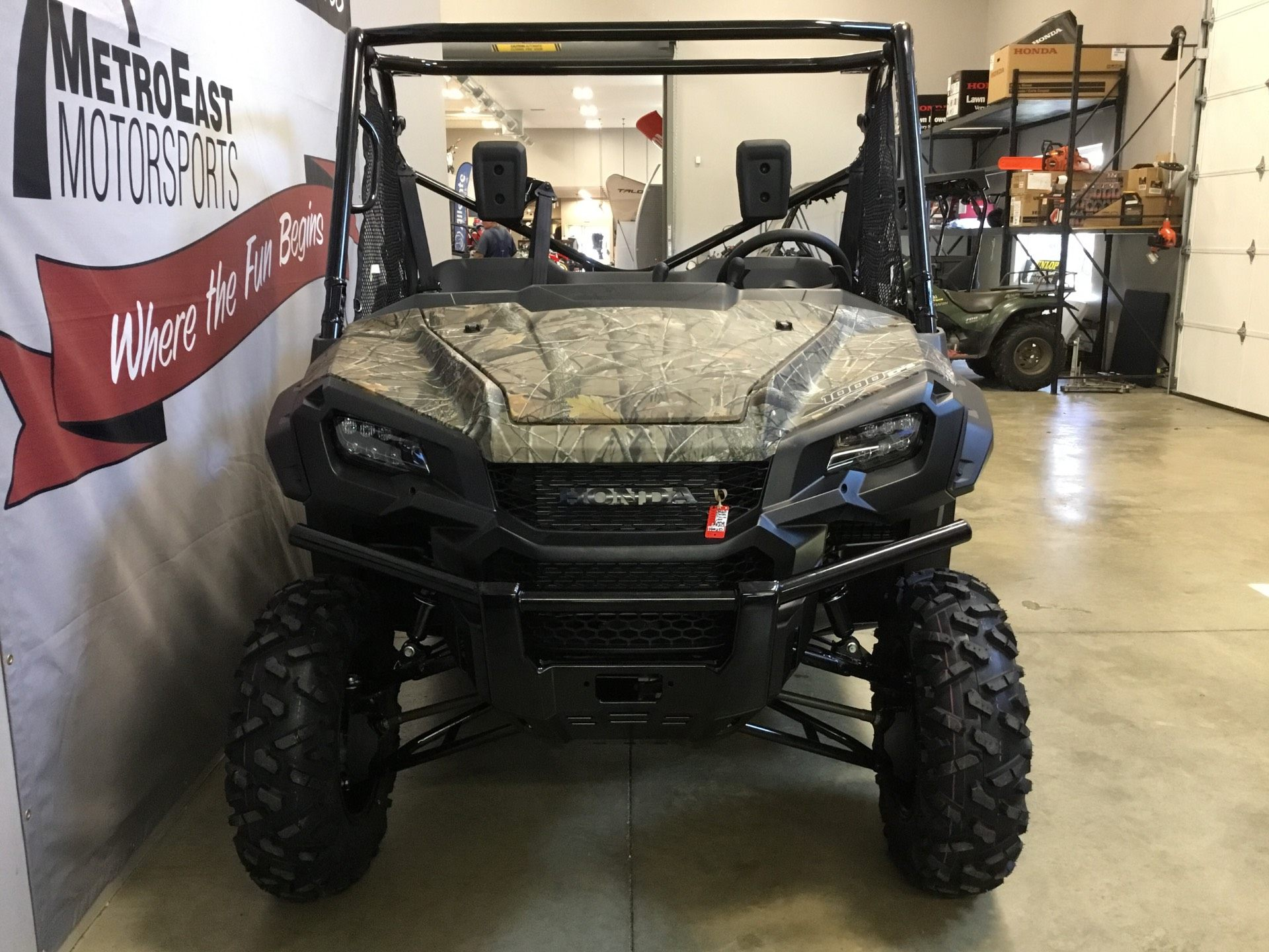 2020 Honda Pioneer 1000 Deluxe in O Fallon, Illinois - Photo 4