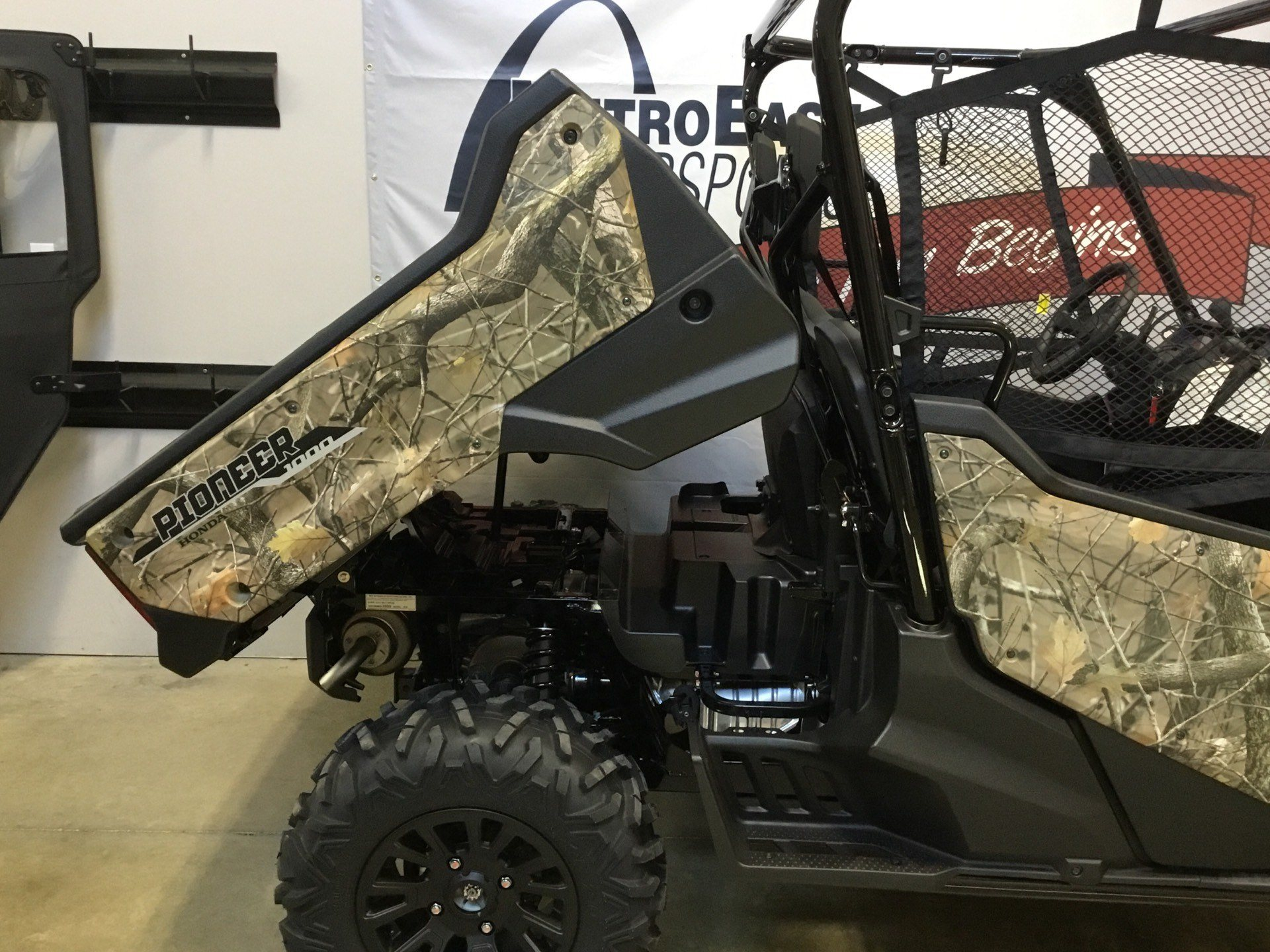 2020 Honda Pioneer 1000 Deluxe in O Fallon, Illinois - Photo 13