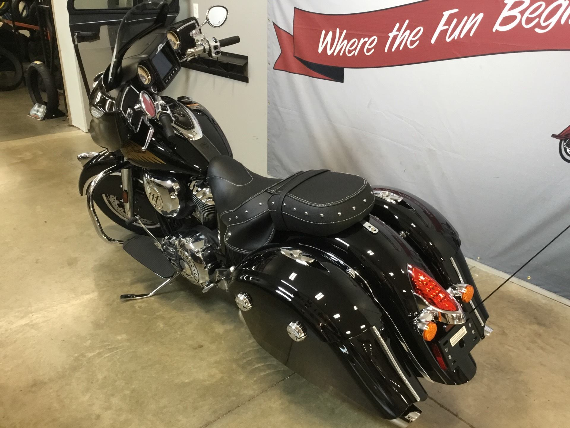 2019 Indian Chieftain® Classic ABS in O Fallon, Illinois - Photo 4
