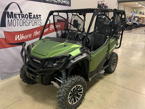 2020 Honda Pioneer 1000-5 LE in O Fallon, Illinois - Photo 2