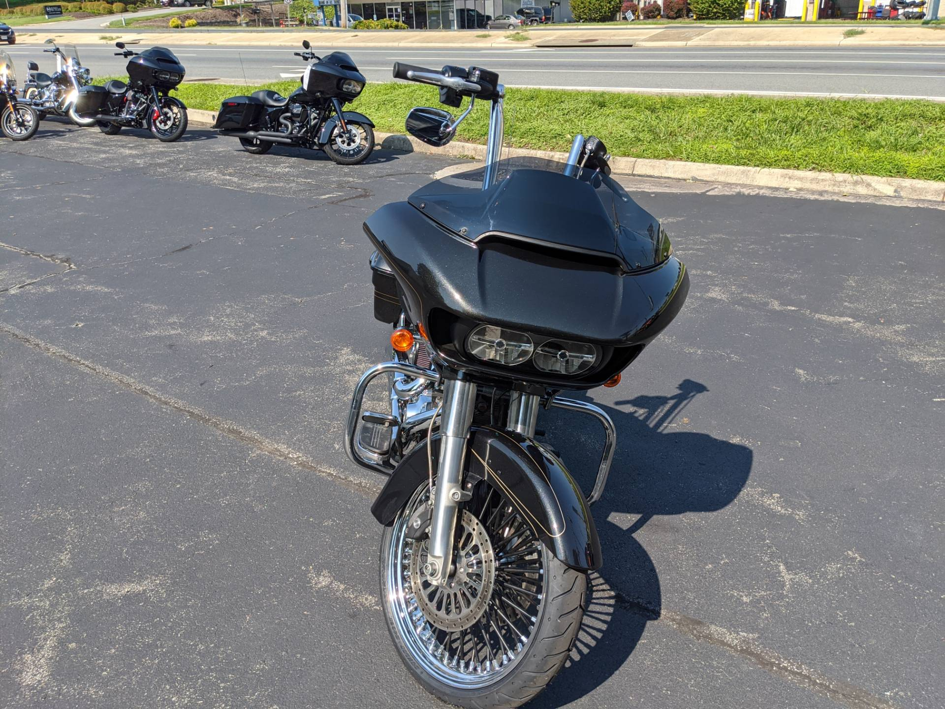 2016 Harley-Davidson Road Glide® Special in Lynchburg, Virginia - Photo 2
