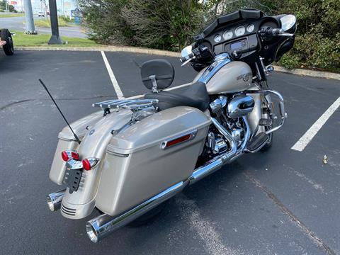 2018 Harley-Davidson Street Glide® in Lynchburg, Virginia - Photo 7