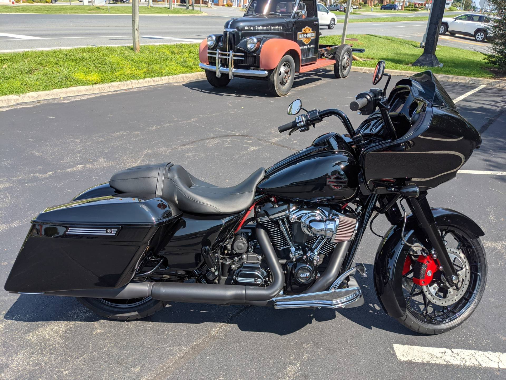 2019 Harley-Davidson Road Glide® Special in Lynchburg, Virginia - Photo 7