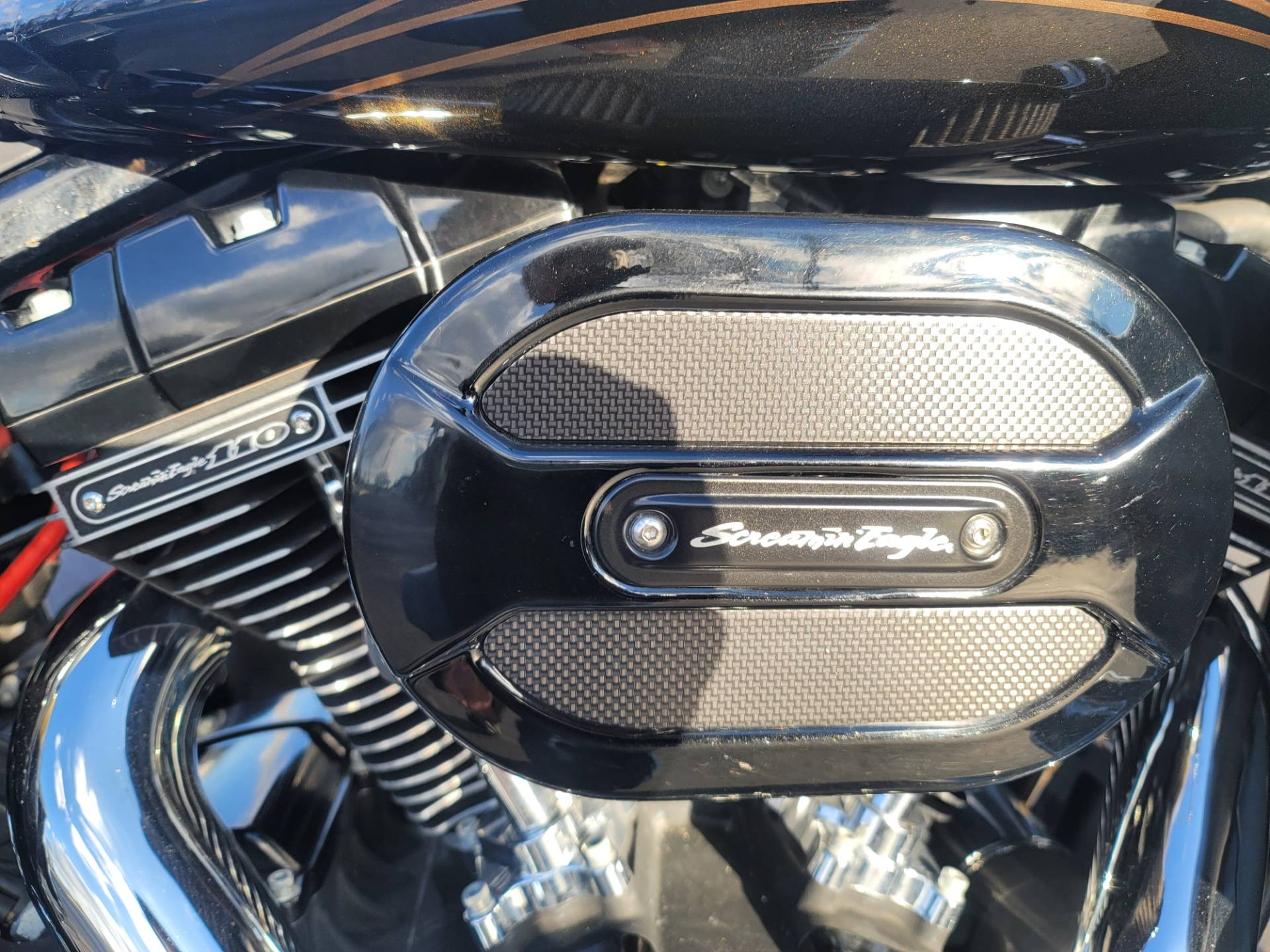 2015 Harley-Davidson CVO™ Street Glide® in Lynchburg, Virginia - Photo 20