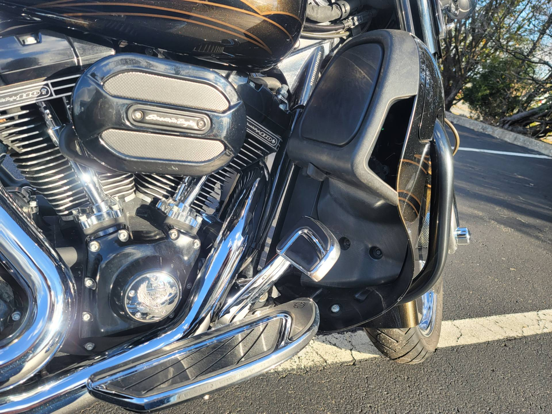 2015 Harley-Davidson CVO™ Street Glide® in Lynchburg, Virginia - Photo 22