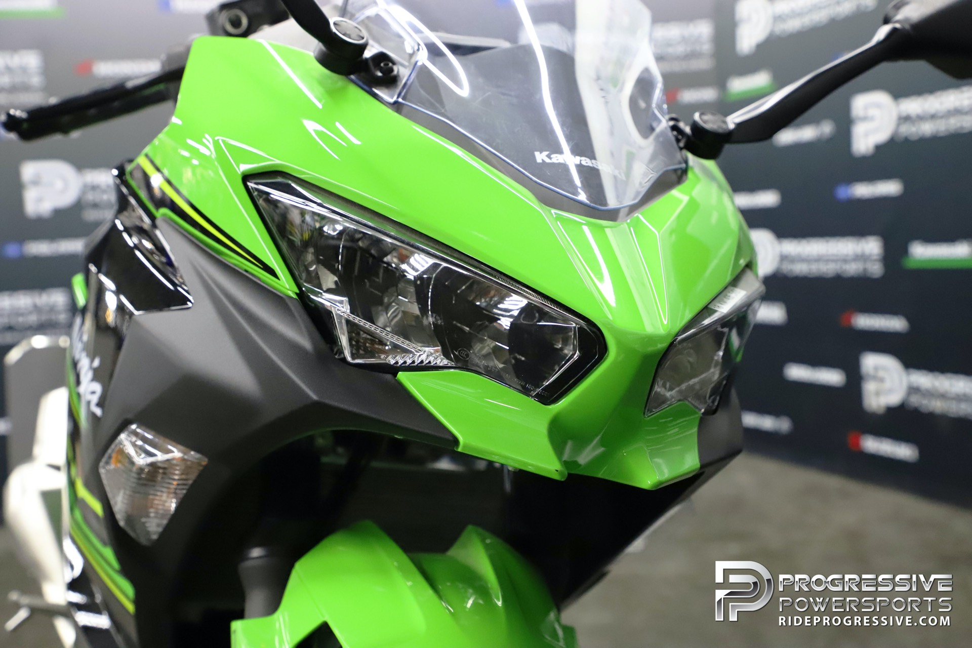 2018 Kawasaki Ninja 400 KRT Edition in Arlington, Texas - Photo 11