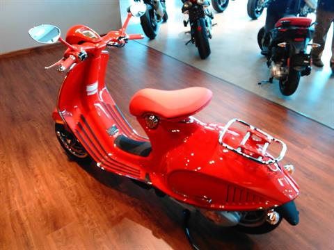 2018 Vespa 946 Red in West Chester, Pennsylvania - Photo 4
