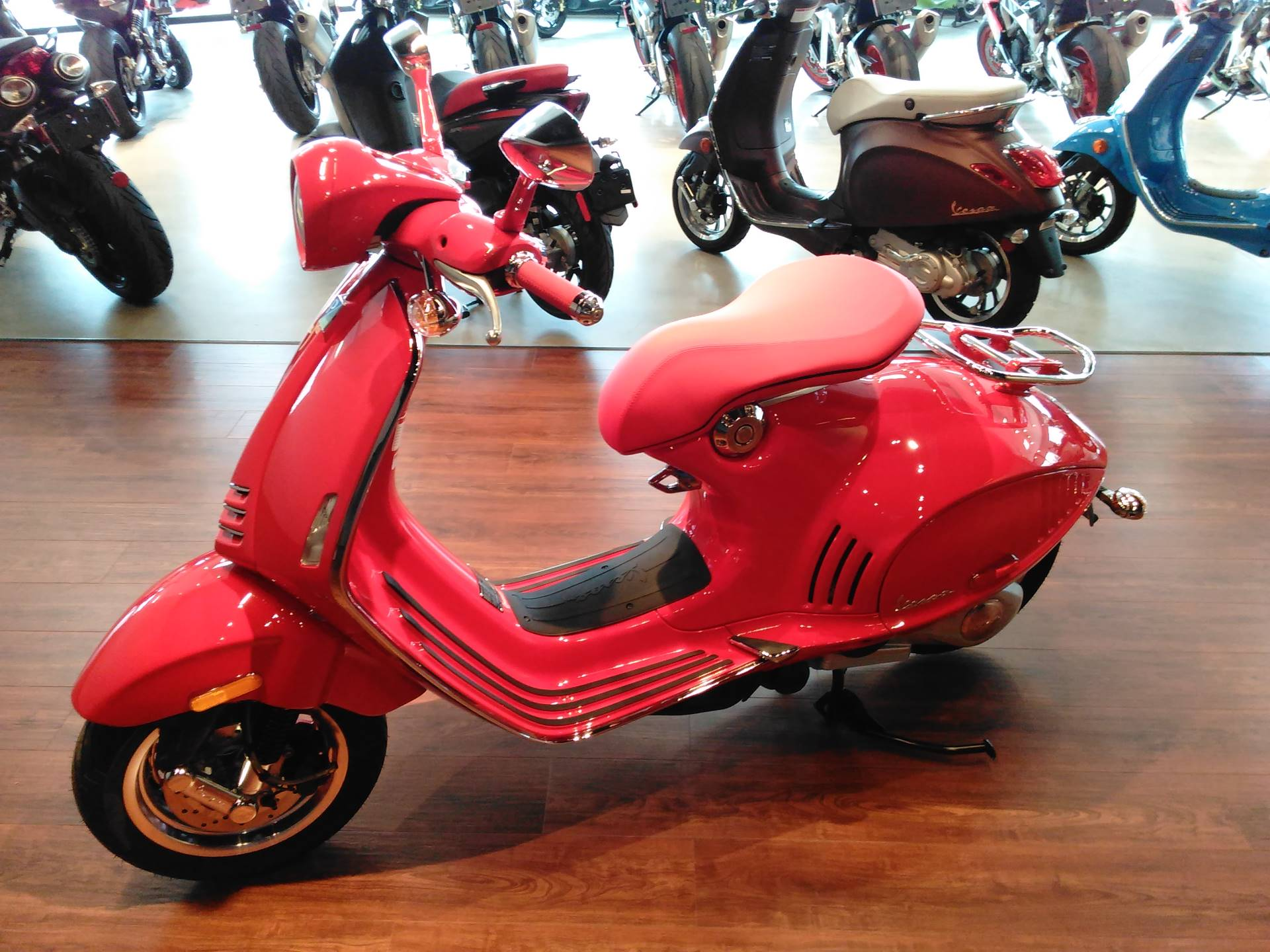 2018 Vespa 946 Red in West Chester, Pennsylvania - Photo 5