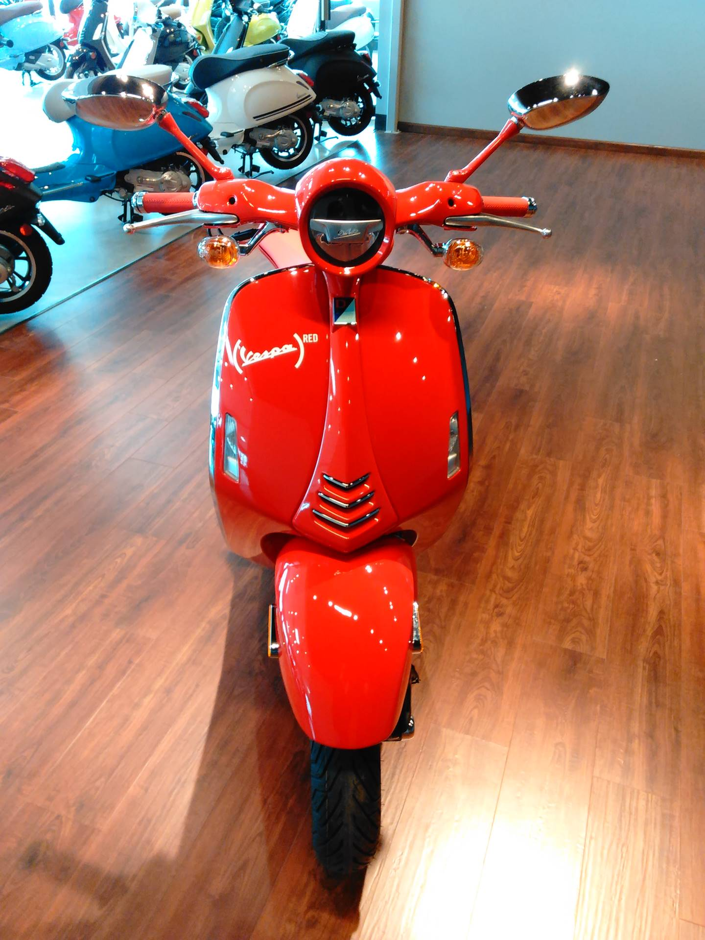 2018 Vespa 946 Red in West Chester, Pennsylvania - Photo 6