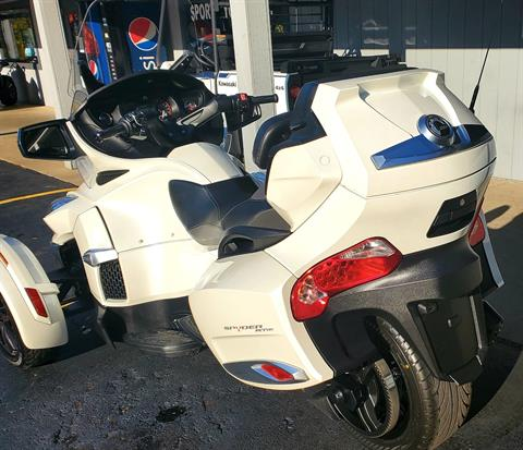 2016 Can-Am Spyder RT-S SE6 in Athens, Ohio - Photo 7