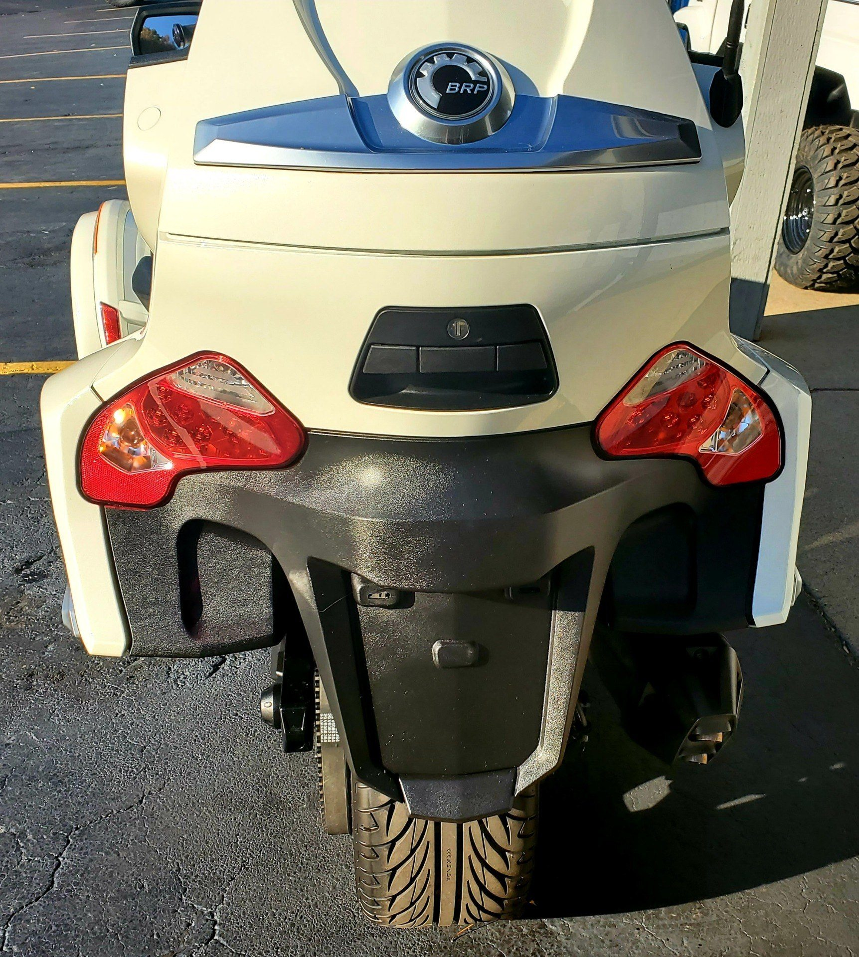 2016 Can-Am Spyder RT-S SE6 in Athens, Ohio - Photo 8