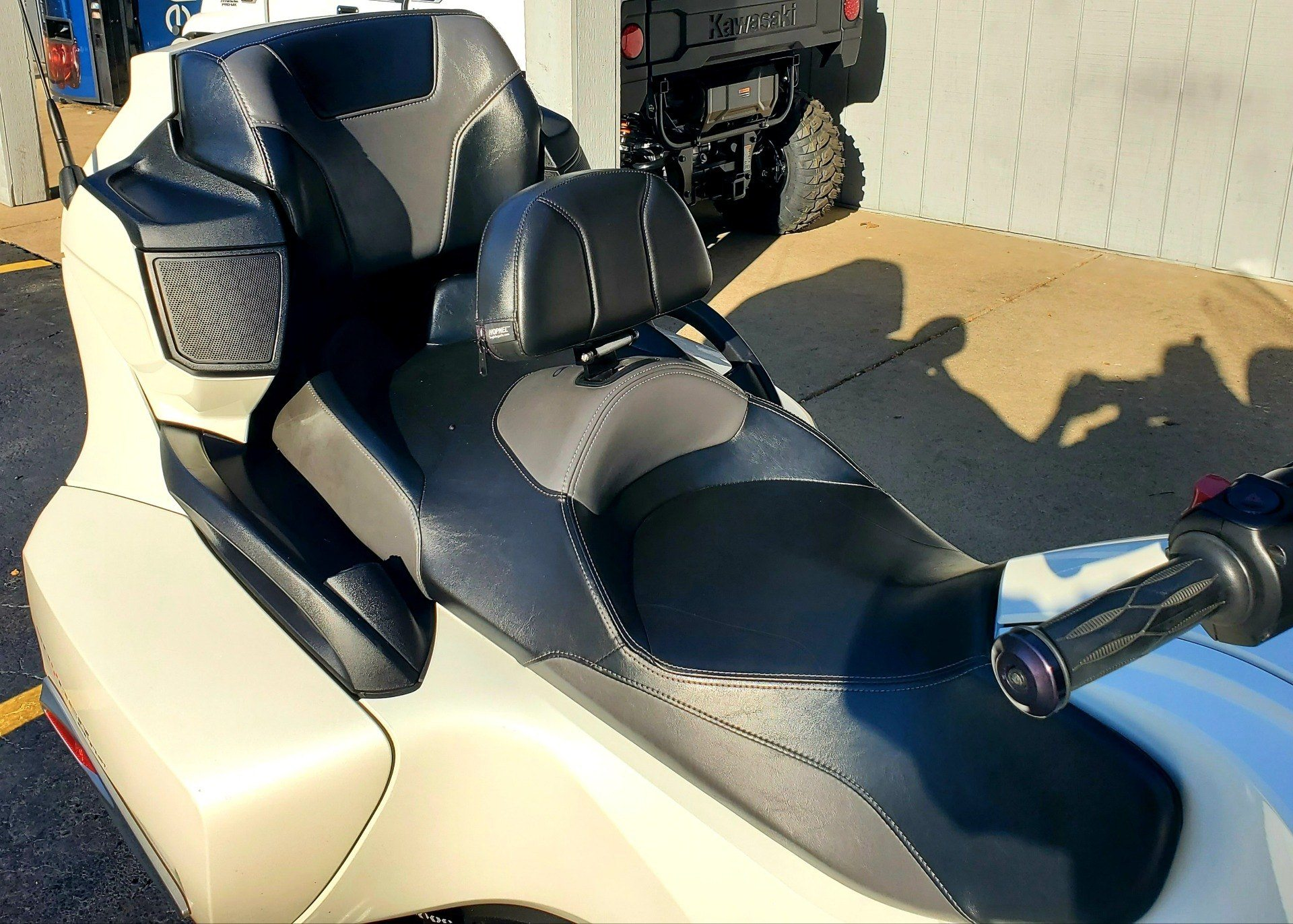 2016 Can-Am Spyder RT-S SE6 in Athens, Ohio - Photo 5