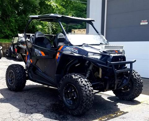 2015 Polaris RZR® S 900 EPS in Athens, Ohio - Photo 2