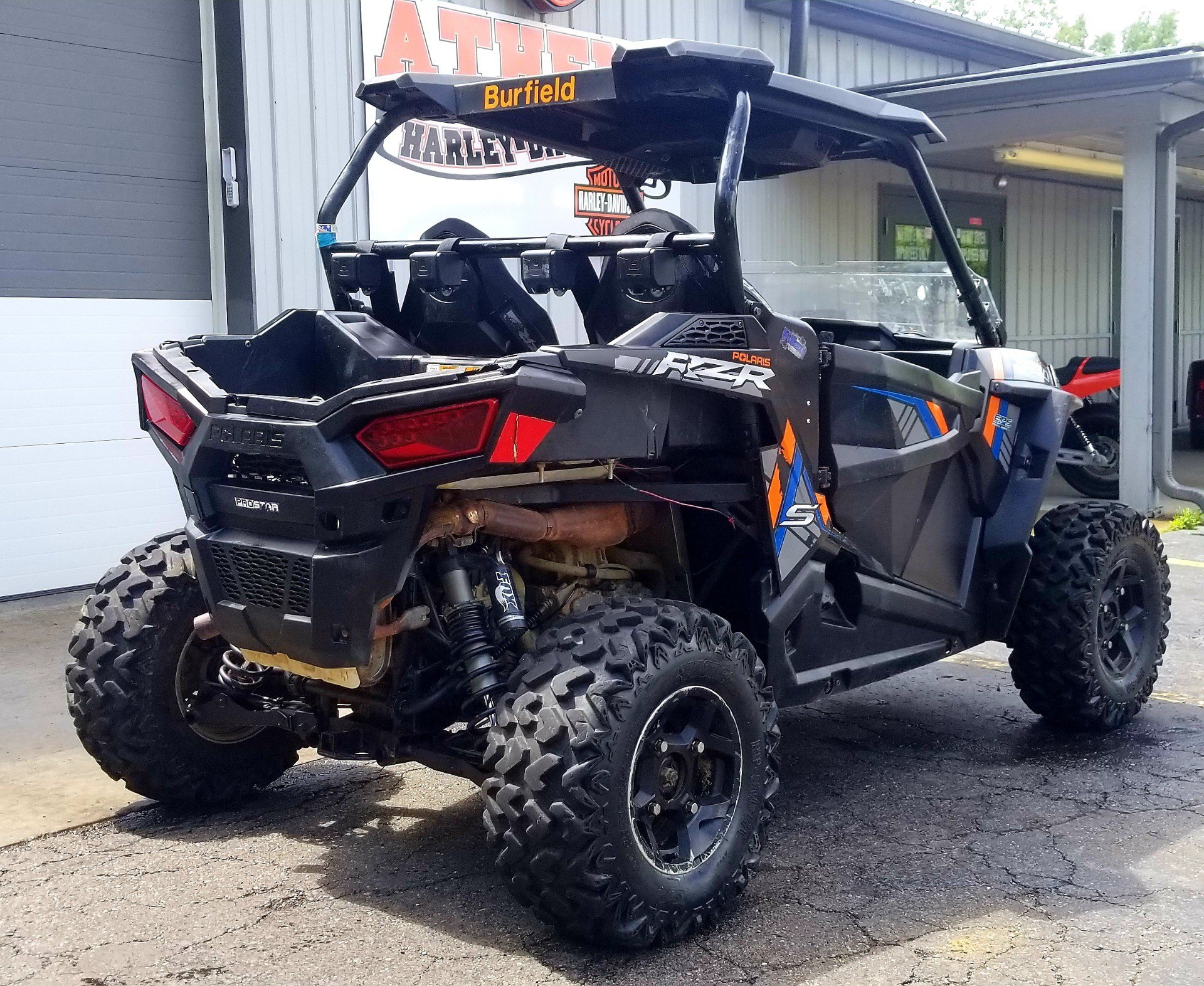 2015 Polaris RZR® S 900 EPS in Athens, Ohio - Photo 4