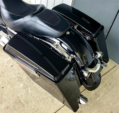 2013 Harley-Davidson Street Glide® in Athens, Ohio - Photo 10