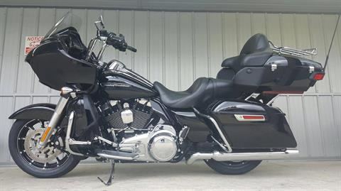 2016 Harley-Davidson Road Glide® Ultra in Athens, Ohio
