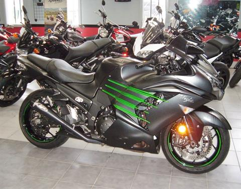2015 Kawasaki Ninja® ZX™-14R ABS in New Haven, Connecticut