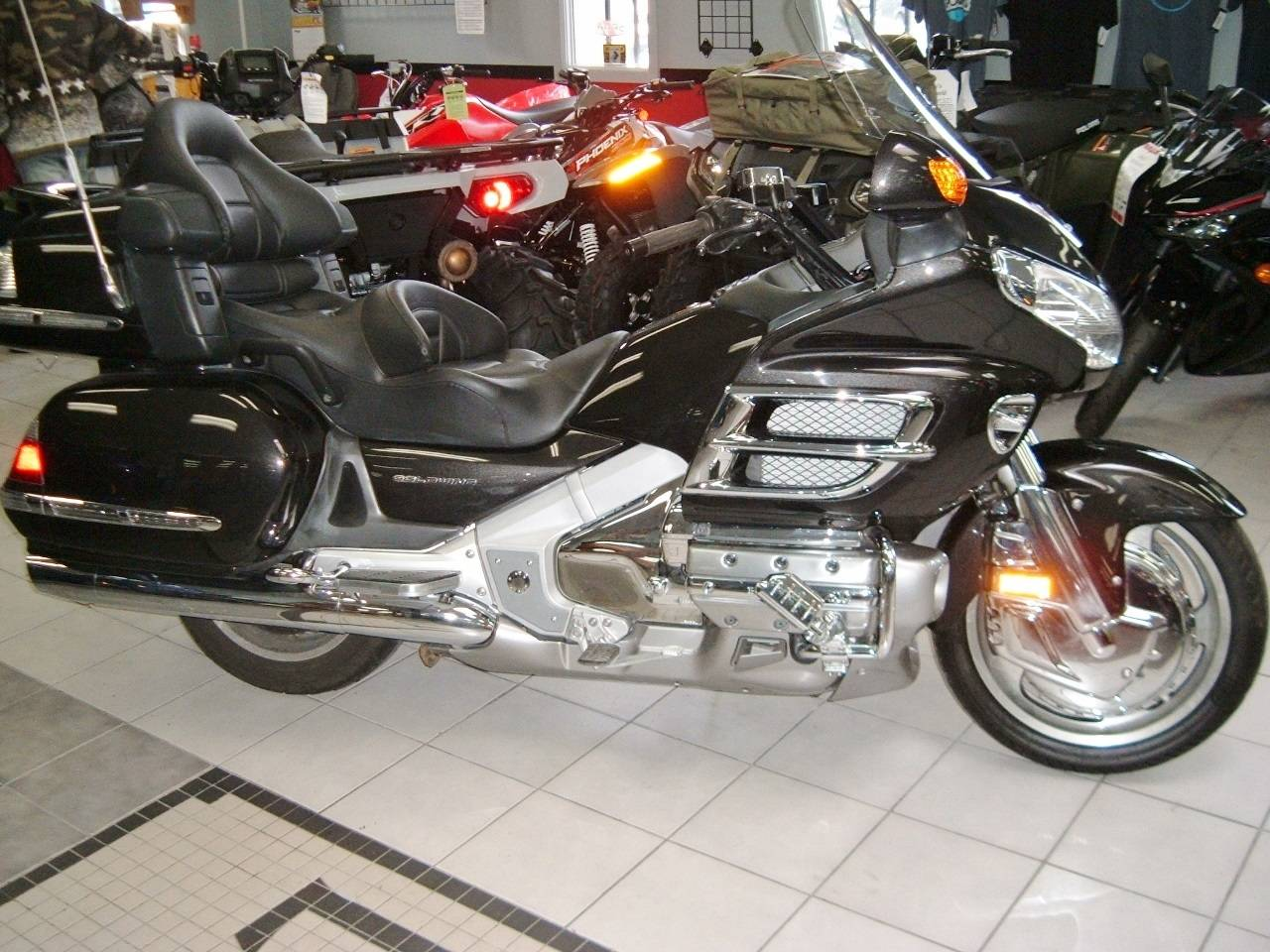 2010 Honda GL1800 HPMN in New Haven, Connecticut
