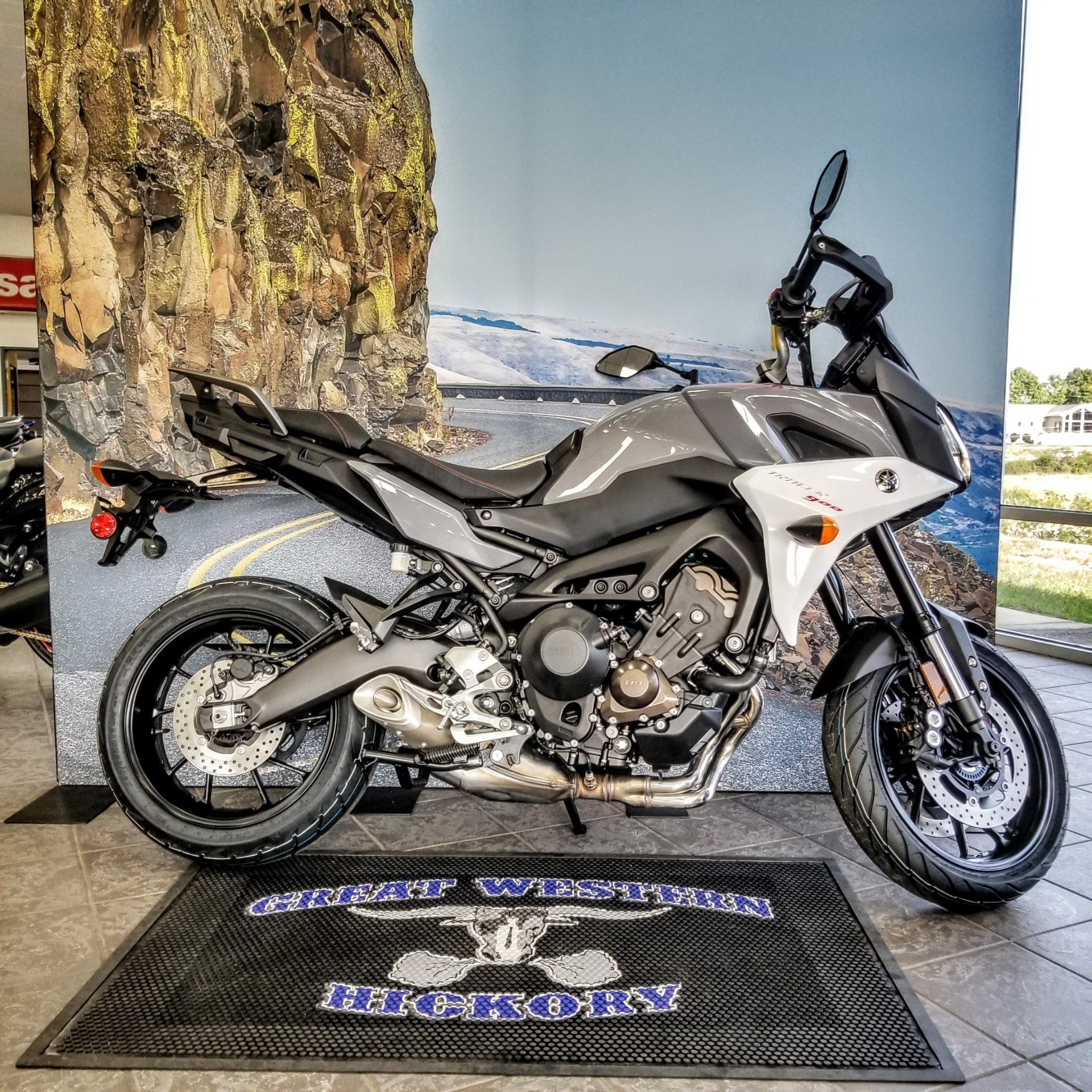 2019 Yamaha Tracer 900 in Hickory, North Carolina - Photo 6
