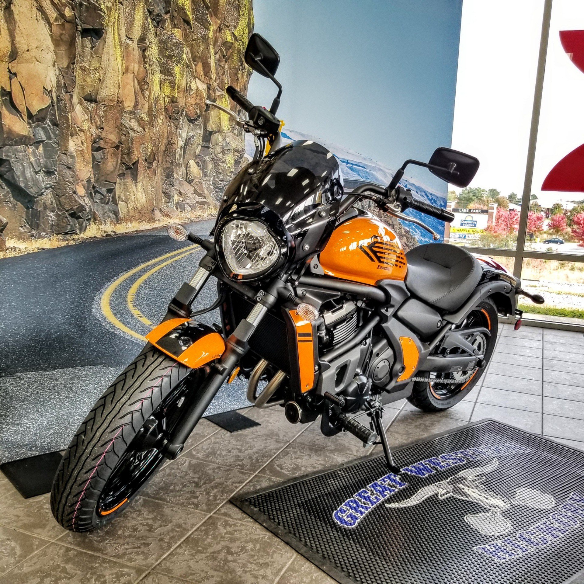 2019 Kawasaki Vulcan S ABS Café in Hickory, North Carolina - Photo 2
