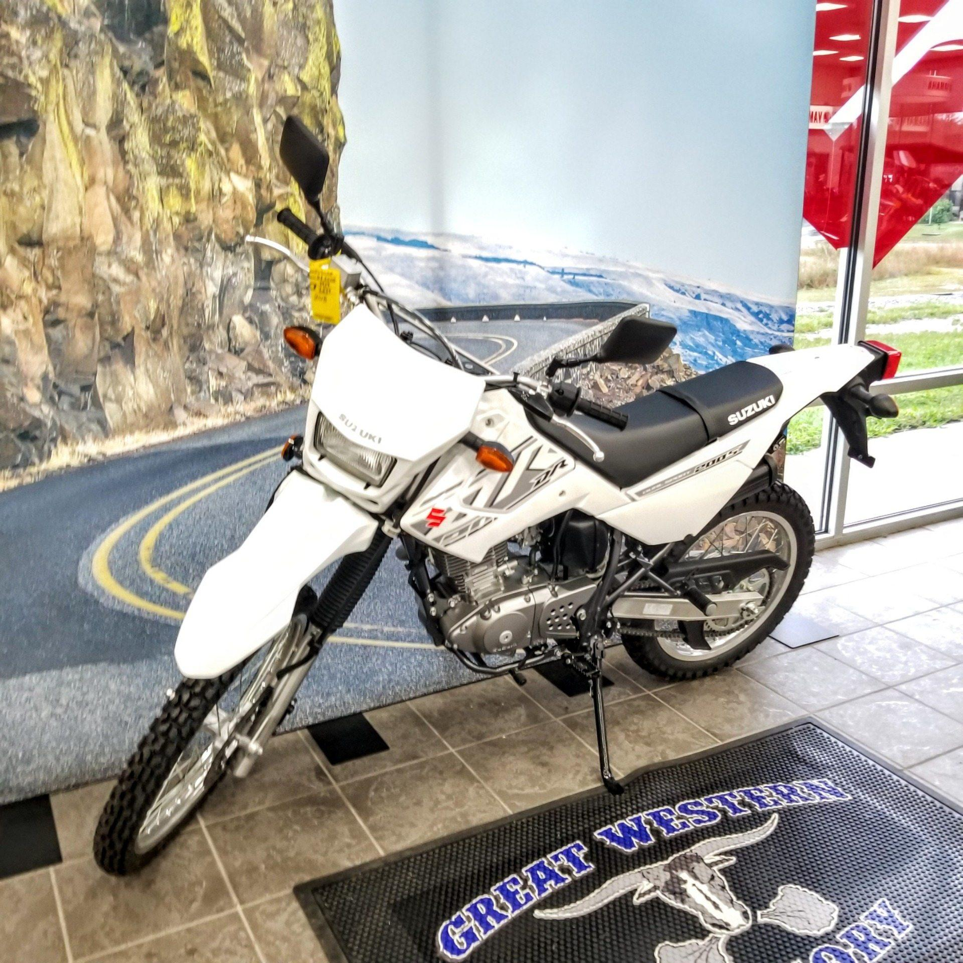 2018 Suzuki DR200S in Hickory, North Carolina