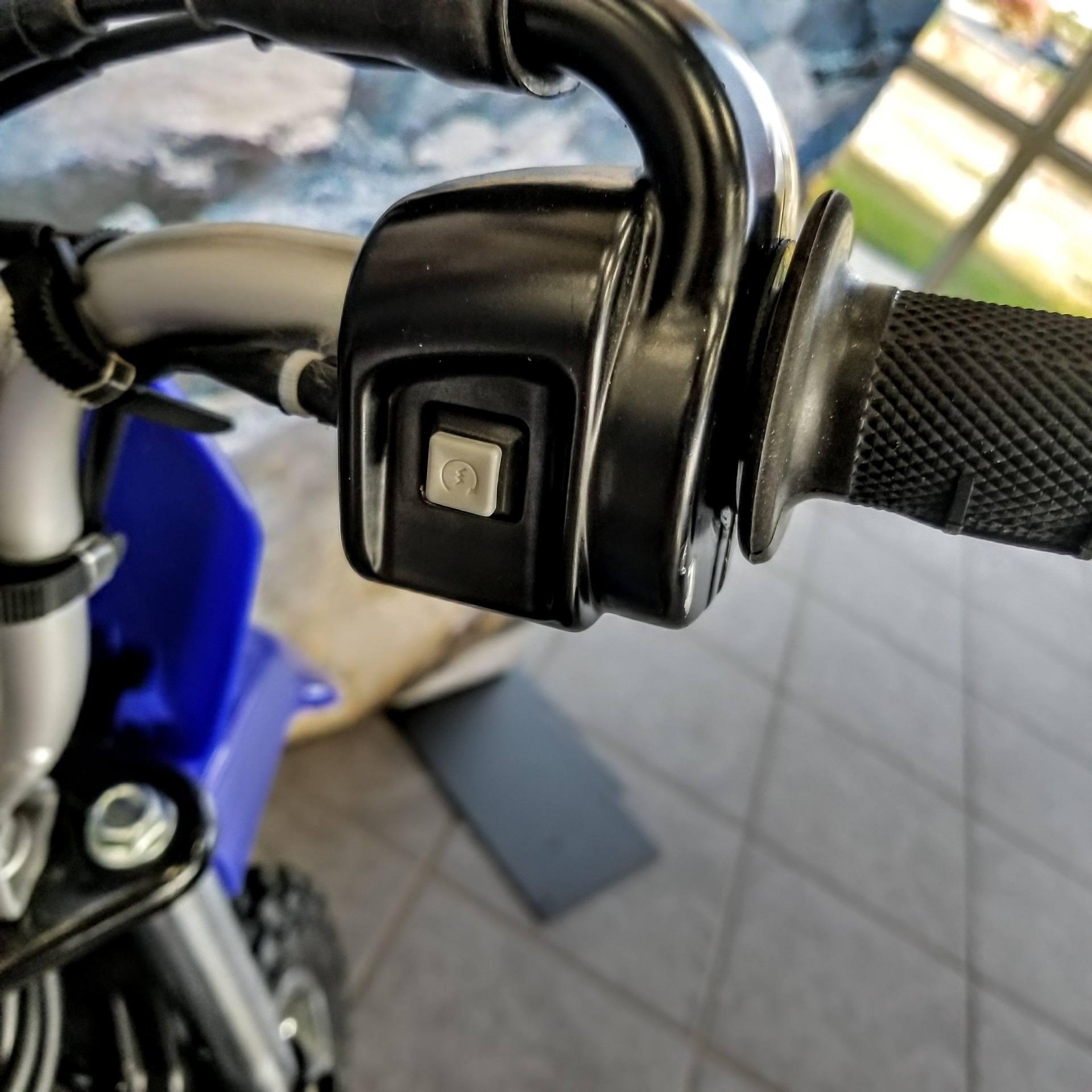 2019 Yamaha TT-R50E 10