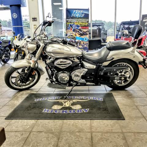 2012 Yamaha V Star 950 in Hickory, North Carolina