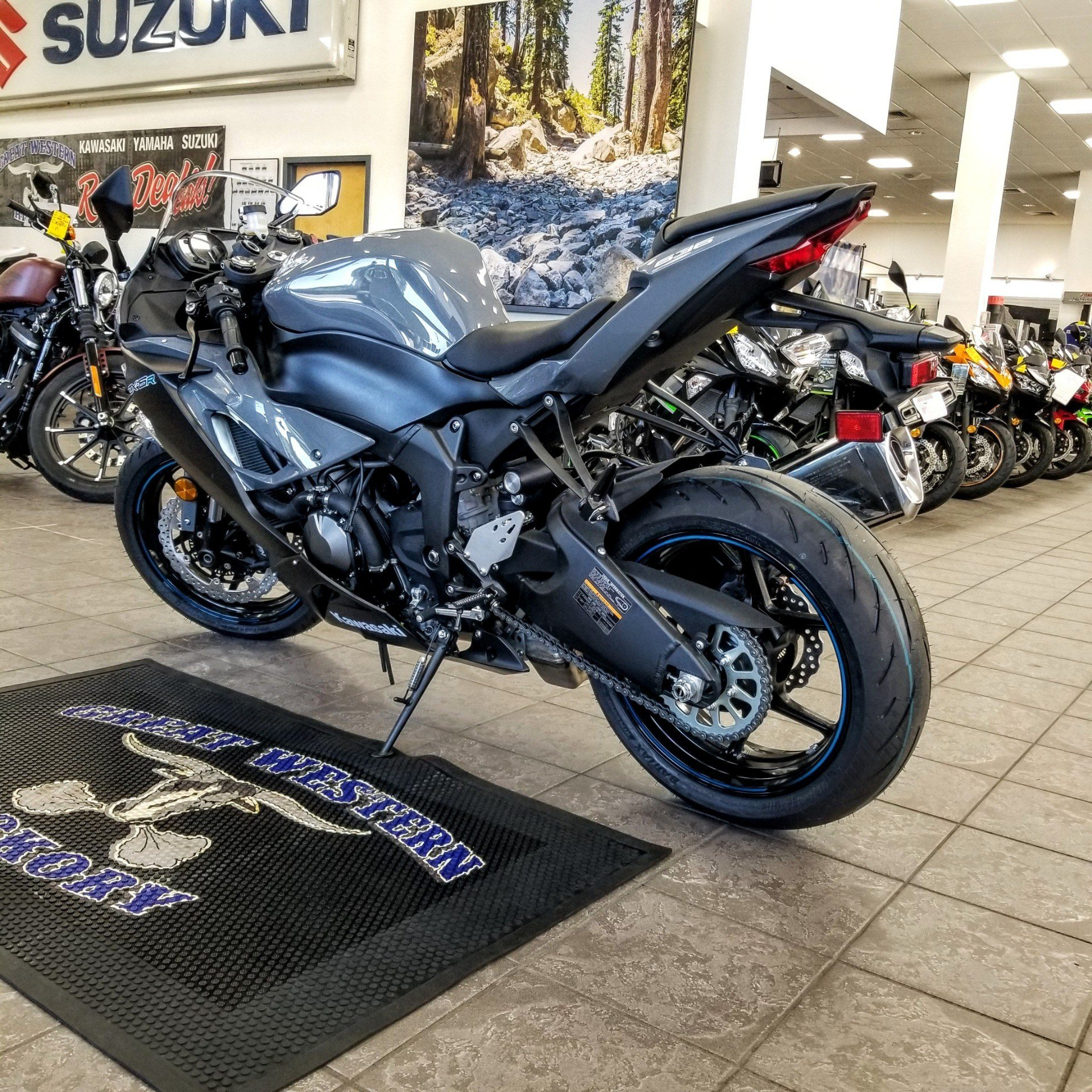 2019 Kawasaki NINJA ZX-6R in Hickory, North Carolina - Photo 4