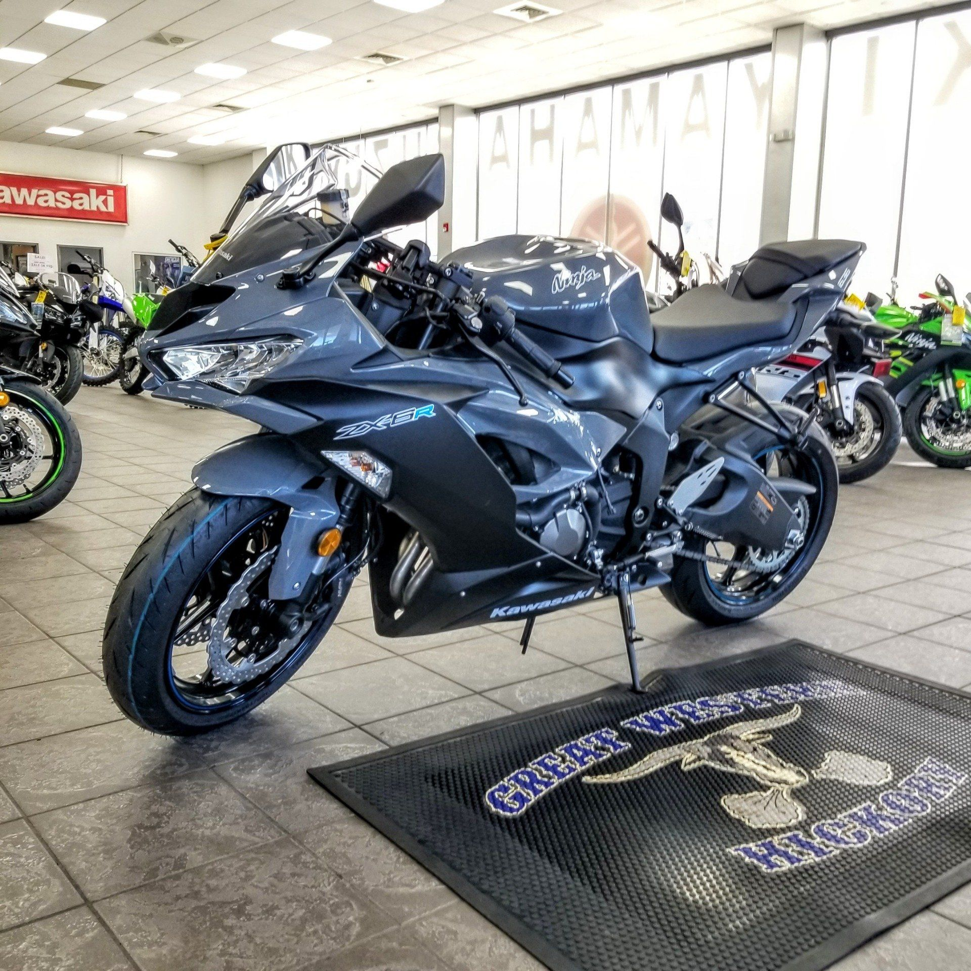 2019 Kawasaki NINJA ZX-6R in Hickory, North Carolina - Photo 2