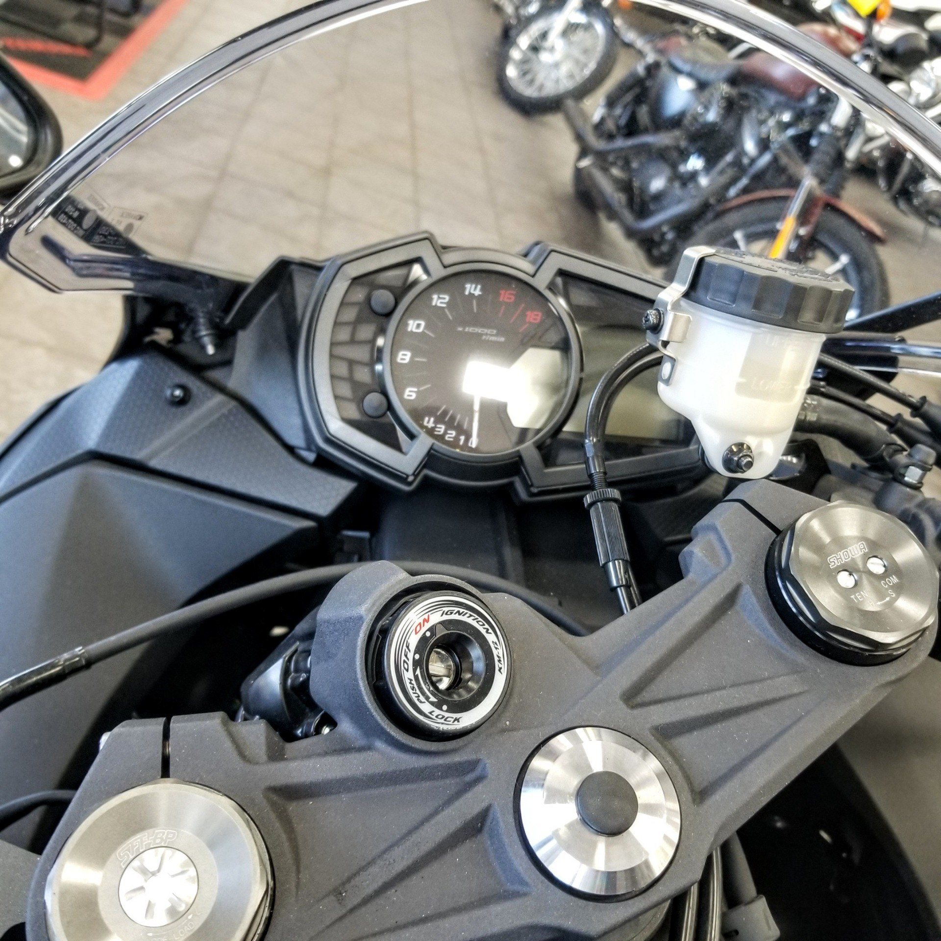 2019 Kawasaki NINJA ZX-6R in Hickory, North Carolina - Photo 9