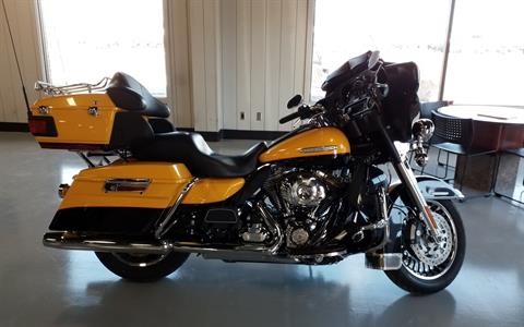 2013 Harley-Davidson Electra Glide® Ultra Limited in Cedar Rapids, Iowa - Photo 2