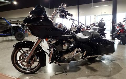 2015 Harley-Davidson Road Glide® in Cedar Rapids, Iowa - Photo 3