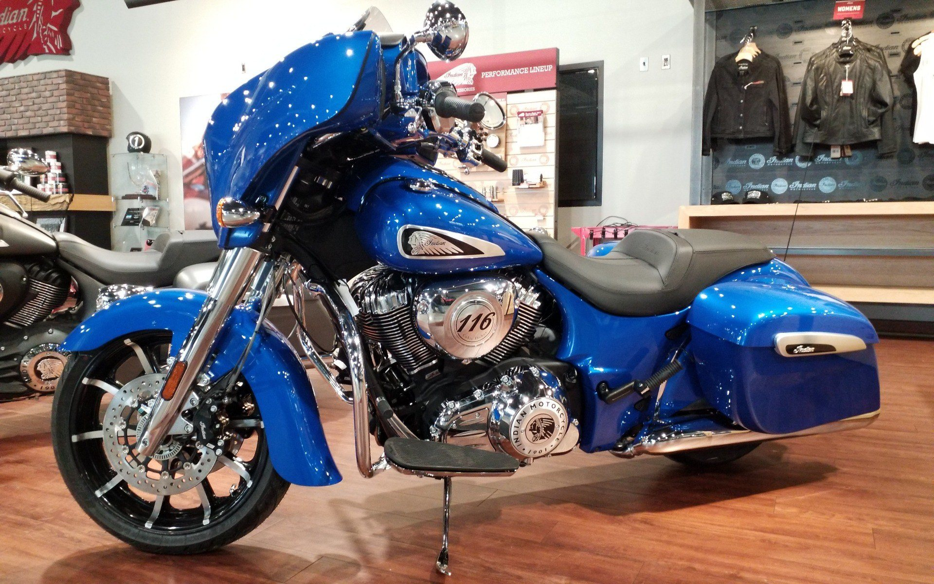 2021 Indian Chieftain® Limited in Cedar Rapids, Iowa - Photo 2