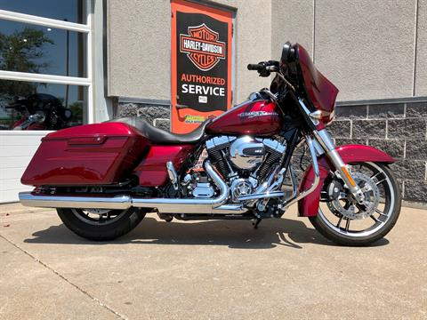 2016 Harley-Davidson Street Glide® Special in Davenport, Iowa - Photo 1