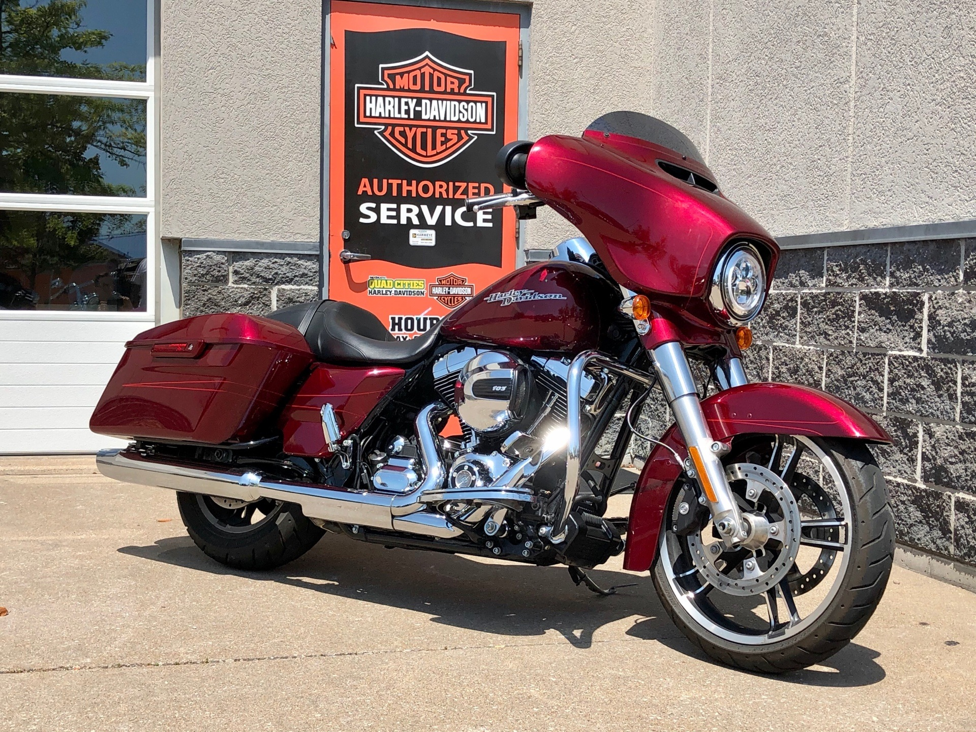 2016 Harley-Davidson Street Glide® Special in Davenport, Iowa - Photo 2