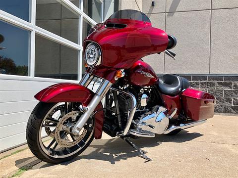 2016 Harley-Davidson Street Glide® Special in Davenport, Iowa - Photo 5